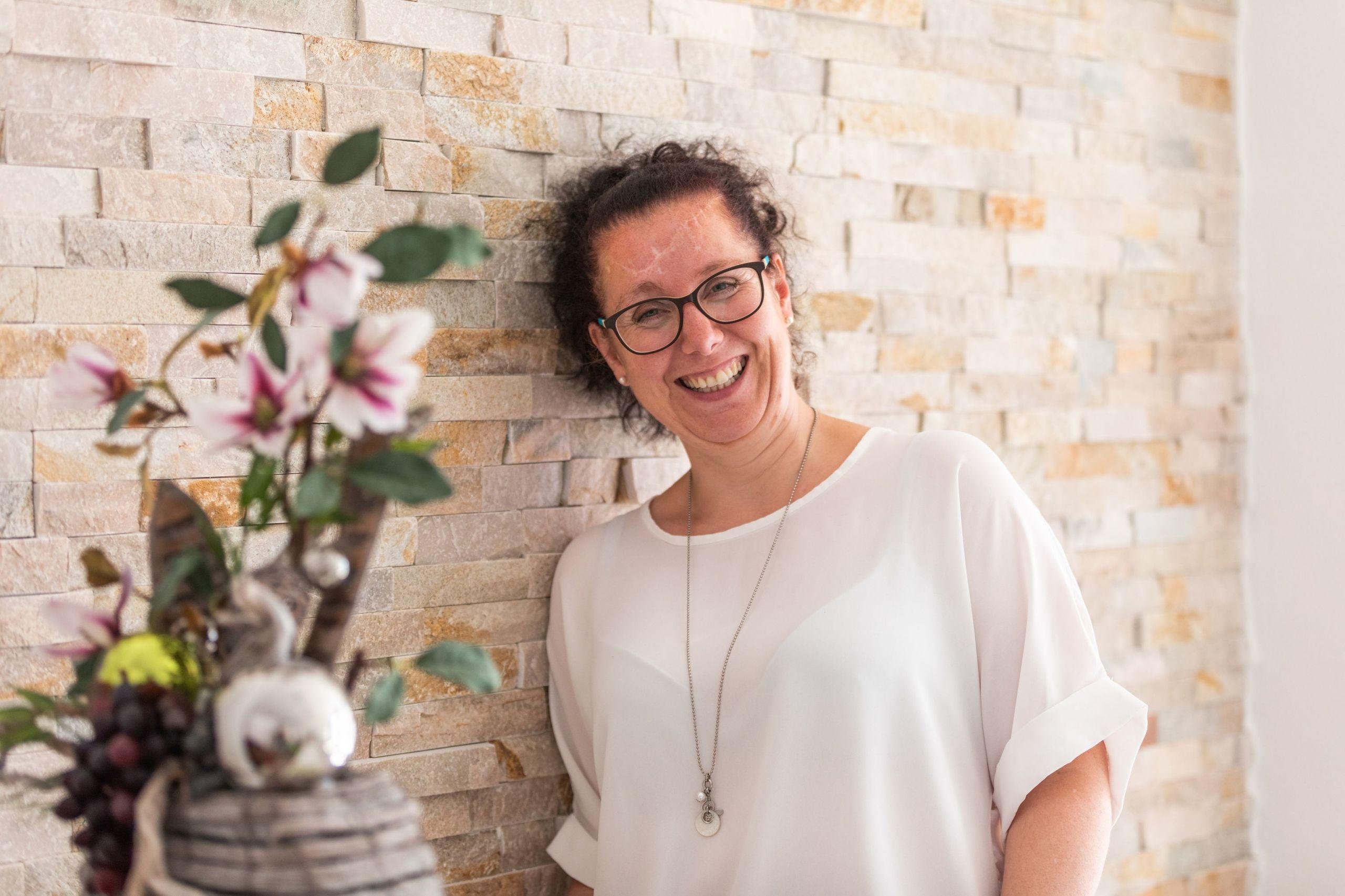 Andrea Schmalzl Gründerin Gratis Minikurs RelaxKids Entspannung, Familienglück, Lernstrategien, Stressprävention und Konzentration bei Kindern